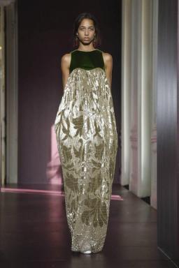 Valentino Couture Fall Winter 2017 Paris