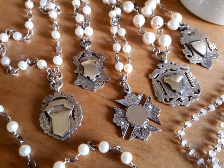 white pearl 768 x 576