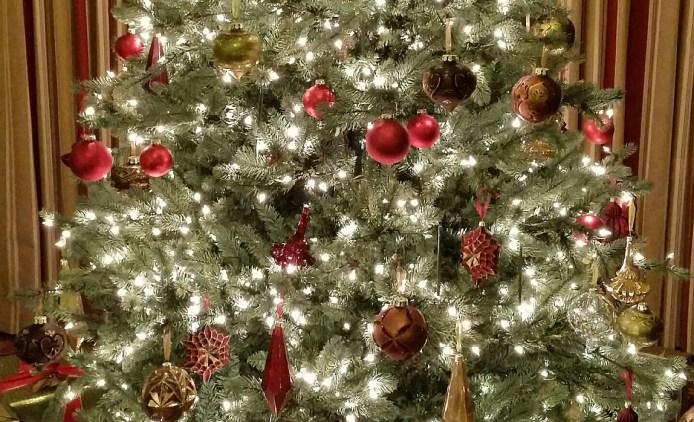 Christmas-Tree-vail
