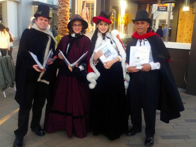 2013_Tamara-Rodriguez_Christmas-Caroling-In-San-Diego_03