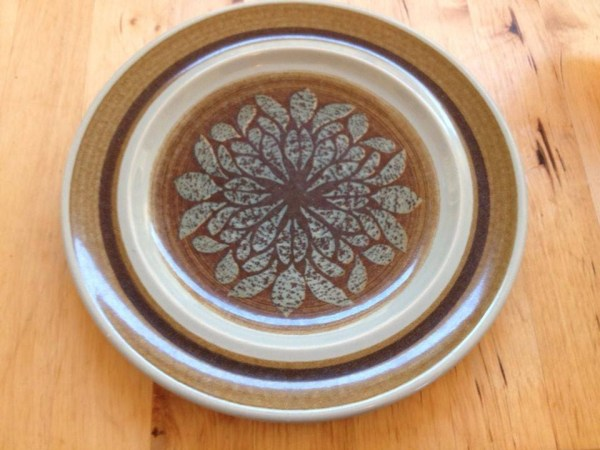 Vintage Franciscan Earthenware Plate: 100,400 ppm Lead