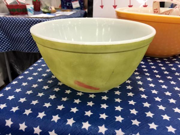 Vintage Green Pyrex Mixing Bowl: 36,599 ppm lead.
