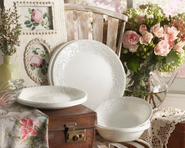 Lead free dishes that are also pretty!