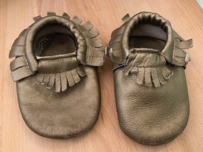 Gold Painted Leather Baby Shoes: 1,674 ppm Lead [above 90 ppm is unsafe (& illegal) in children's items.]