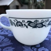 Old Town Blue Vintage Pyrex 1972 Cup Tamara Rubin Lead Safe Mama