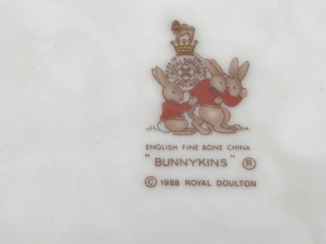 1988 Royal Doulton English Fine Bone China Bunnykins Baby Bowl: 10,100 ppm Lead on the FOOD surface.