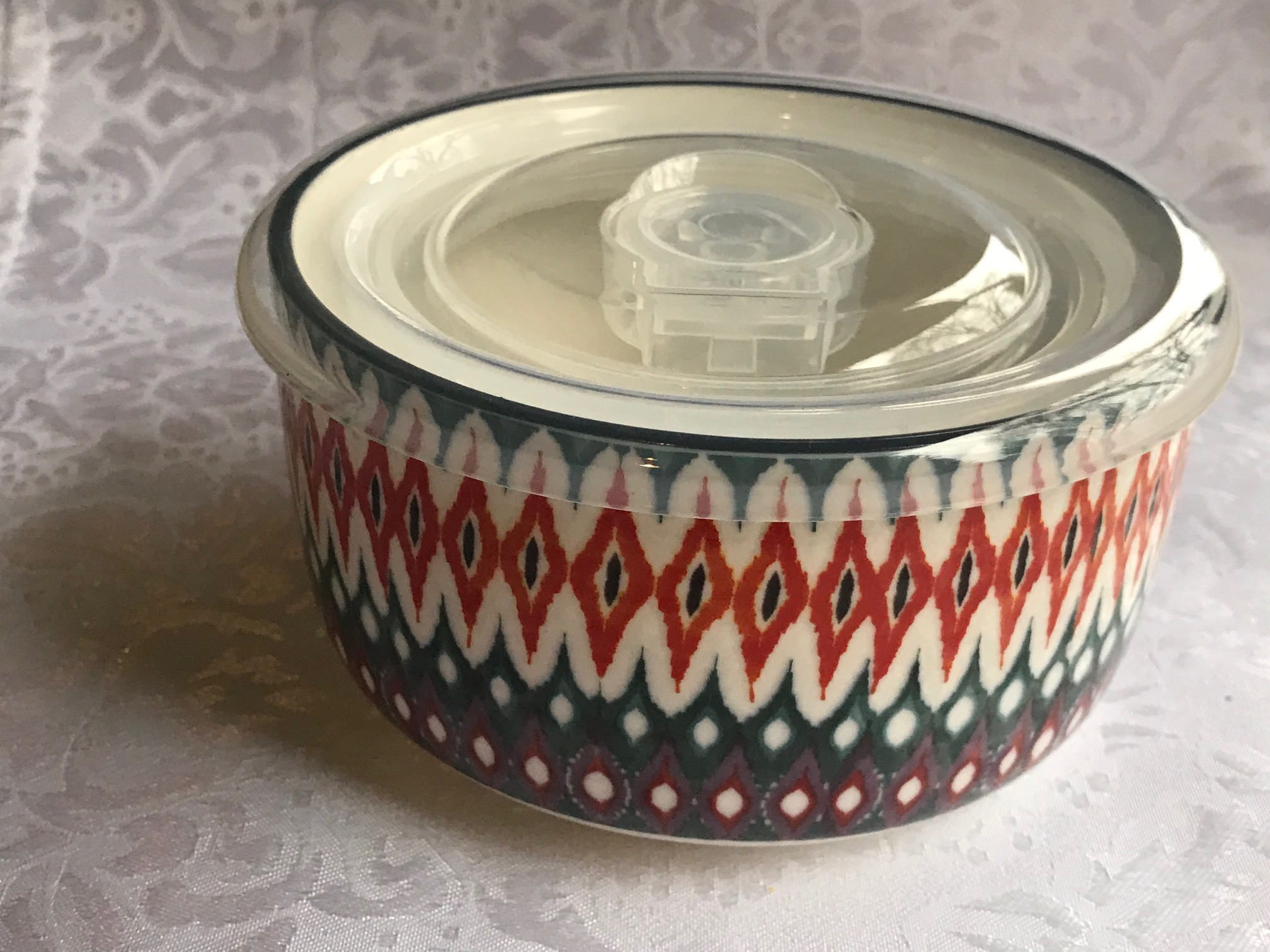 Signature Housewares Incorporated Ceramic Food Storage Container: 2,107 ppm Lead.