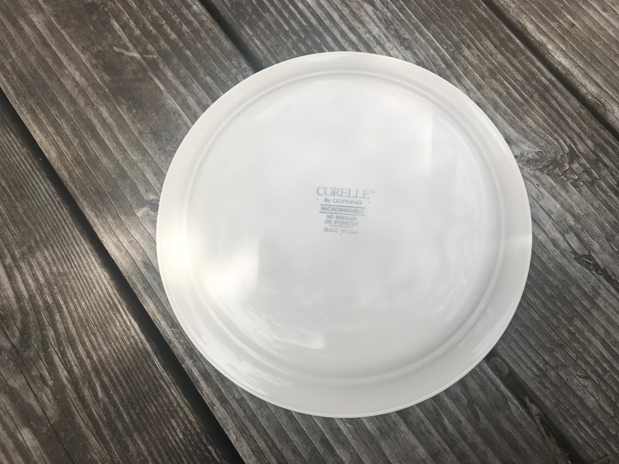 Vintage Corelle Cream Plate with Fruit Pattern: 14,900 +/- 400 ppm Lead & 327 +/- 20 ppm Cadmium