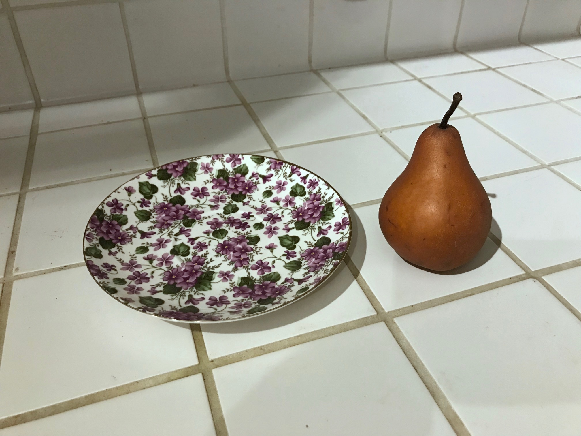 Grace's Teaware Purple Flower Saucer: 30,000 ppm Lead [For Context: 90 ppm Lead is unsafe in children's items.]