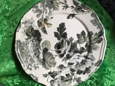 """2019 Ikea Brand, Made In Portugal """"Arv"""" floral white & green plate: 126 ppm Lead. (Read full post for details.)"""