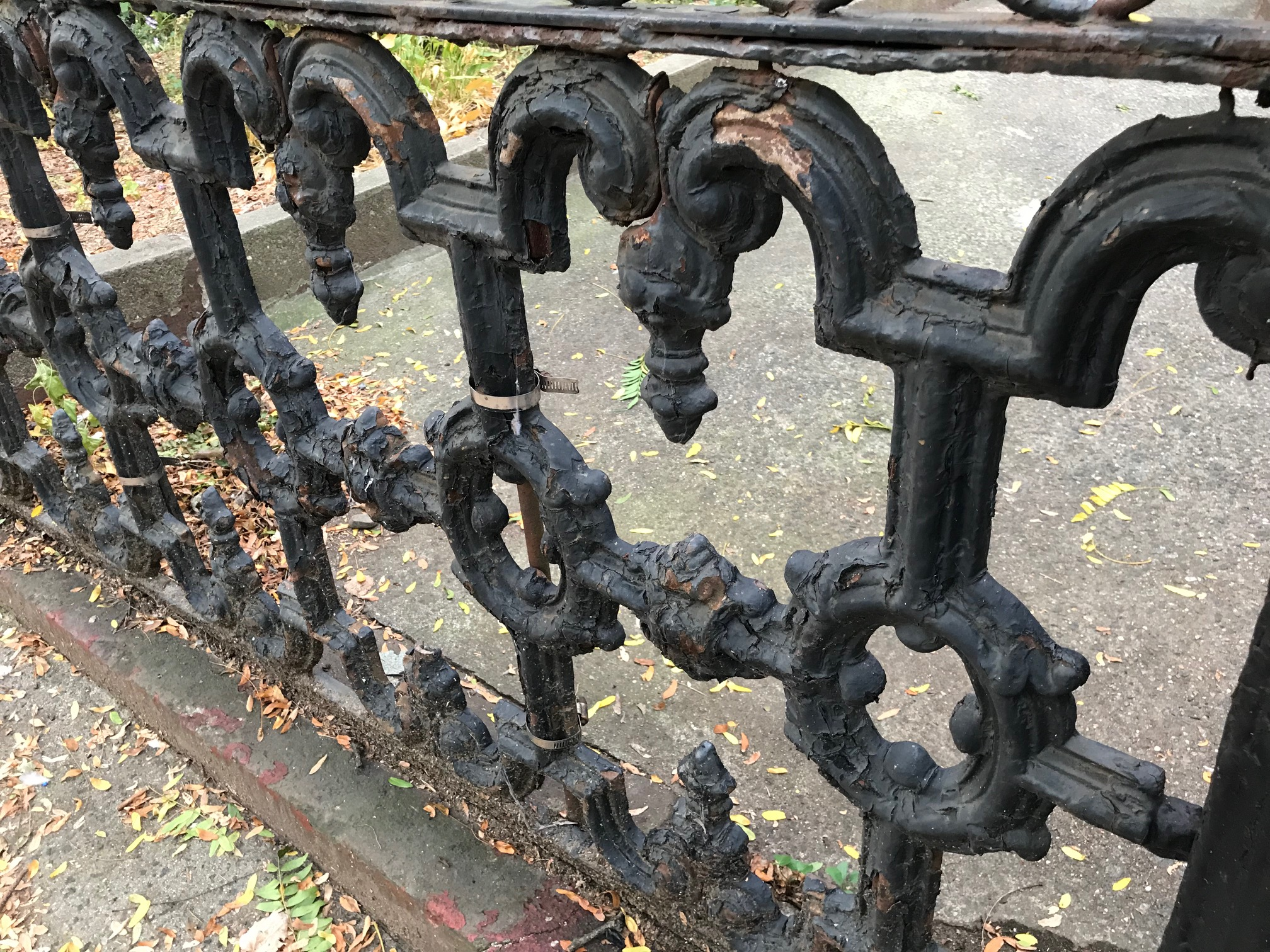 How Can I Tell If The Paint On My Home Is Lead Paint Read This Post For Close Up Images Of This Lead Painted Railing Brooklyn Ny Lead Safe Mama