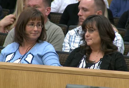 Jodi-Arias-mother-and-aunt-Jan-05-2013-Photo