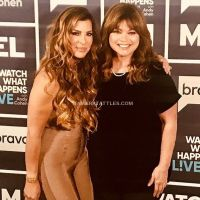 #WWHL With Valerie Bertinelli and Siggy Flicker