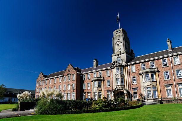Du Học Anh – Đại học South Wales (University of South Wales) – Du học Anh