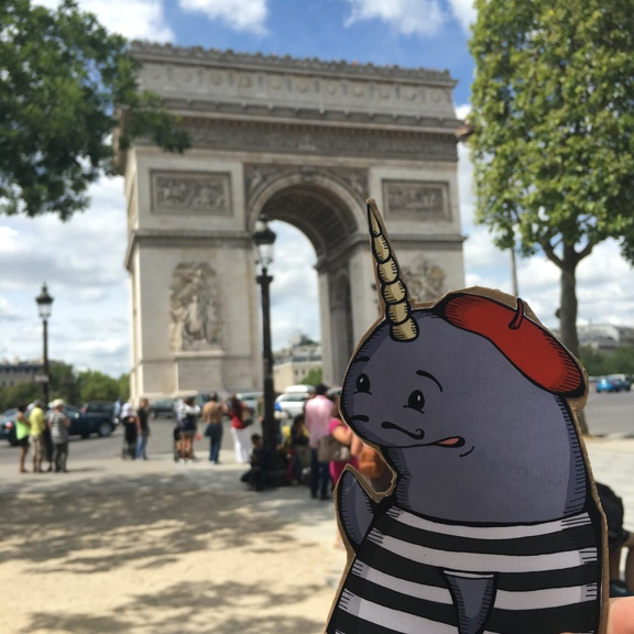 Mort in Paris, Arc du Triumph