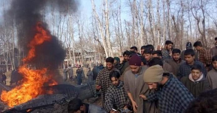 2 இந்திய விமானங்களை சுட்டு வீழ்த்திய பாகிஸ்தான் - 3 விமானிகள் கைது