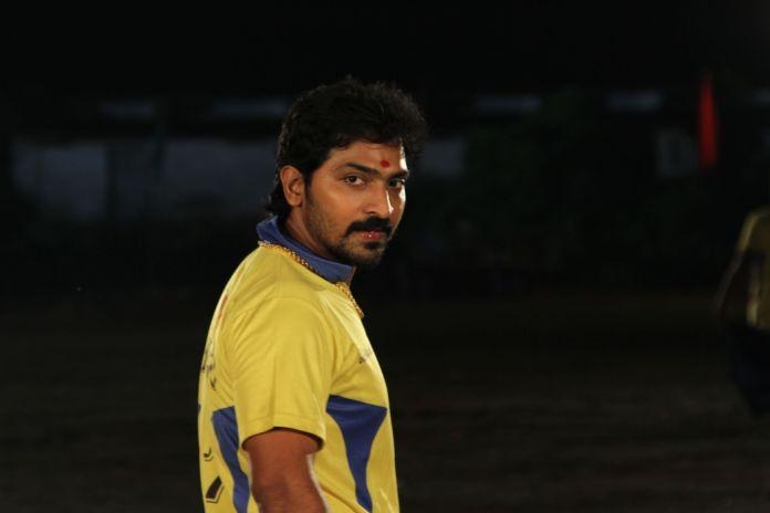 நடிகர் வைபவ் 'சிக்ஸர்' அடிக்க உள்ளார்