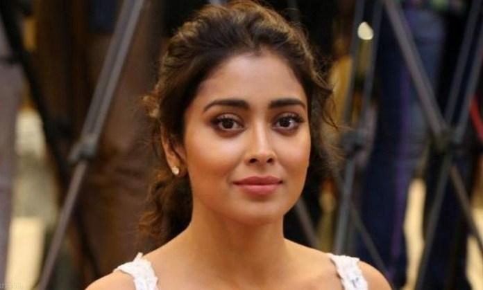 Actres Sheriya Saran