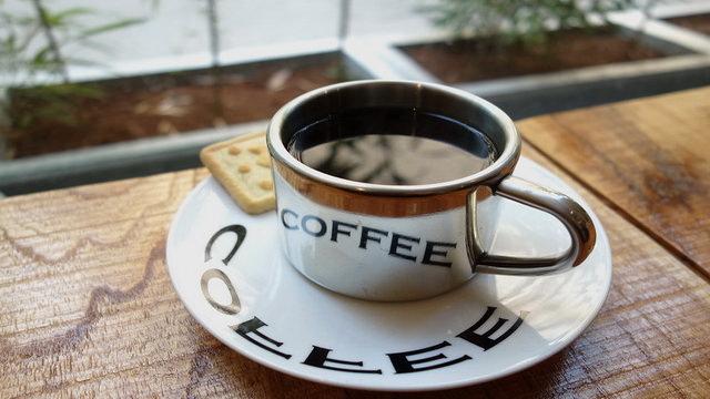《台中咖啡》巷木咖啡‧二手書 烘焙公平交易豆的芬芳