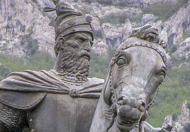 Албанци оскрнавили и Скендербега!