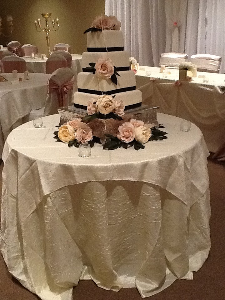 cake silk flowers decor