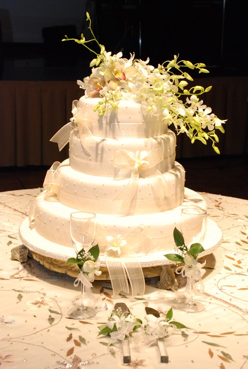 Cake with orchid flowers