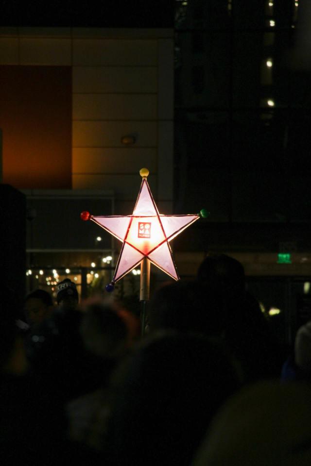 Photo of Filipino Christmas Star known as the parol.