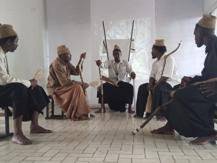 """[Théâtre] :  """"Ngum a Jemea"""", la foi inébranlable du Doualla Manga Bell  face aux sombres souvenirs de l'époque coloniale"""