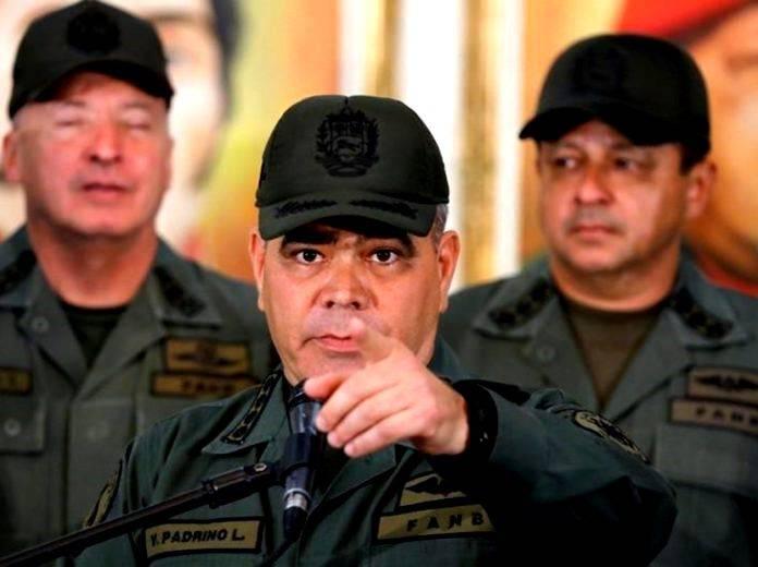 Para Padrino López, las ONG y los medios se han prestado para publicar informaciones falsas difundidas por los grupos armados por medio de WhatsApp.