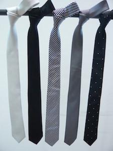 ネクタイで人気の色は?