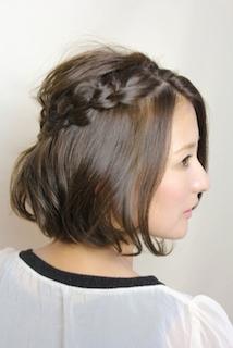 卒業式のショートヘアの母親の髪型 5