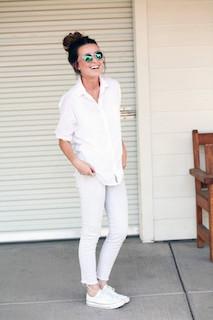 白のリネンシャツのレディース夏コーデ 5