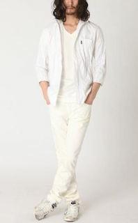 白のリネンシャツのメンズの夏コーデ 5