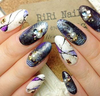 成人式の紫の人気ネイルデザイン4(紫×白×黒)