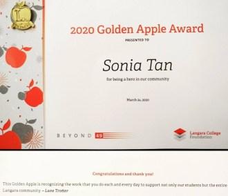 rsz_1rsz_sft_golden_apple_award-crop