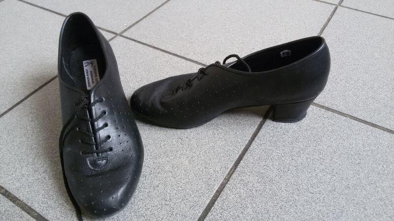 tanecni-boty-treninkove – Skautské tancování cd2416fce9