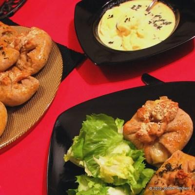 Zavežljaji sa sirom i piletinom i kisela juha od sira