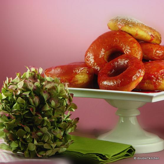 Let's Go Nuts for Doughnuts – Daring Baker's Challenge – October 2010