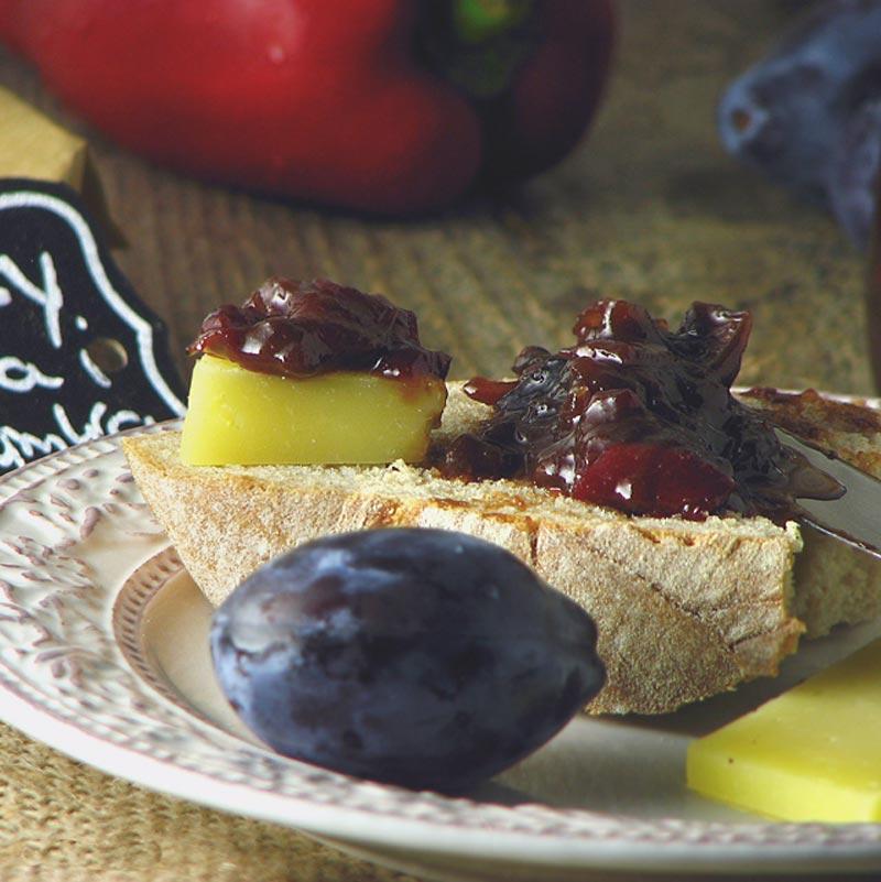 chutney od šljiva i crvenih paprika