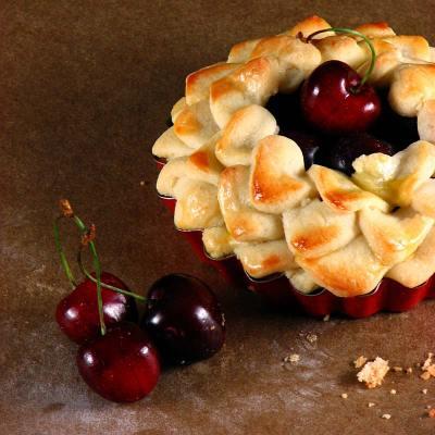 Kremaste mini pite od trešanja