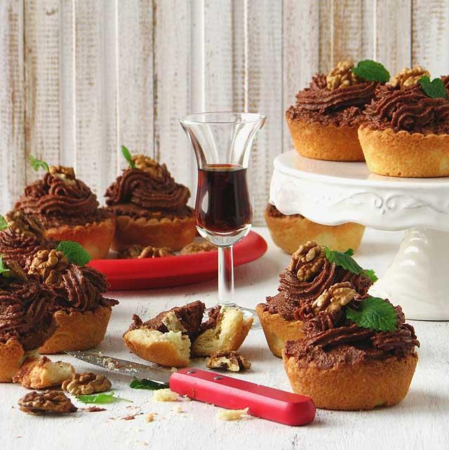 Mini pite s kremom od oraha i orahovca