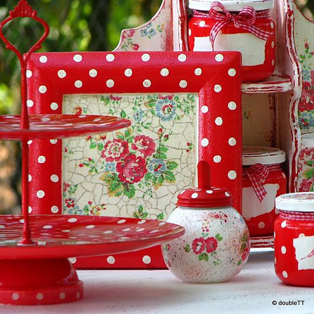 Kolekcija dots and roses in red