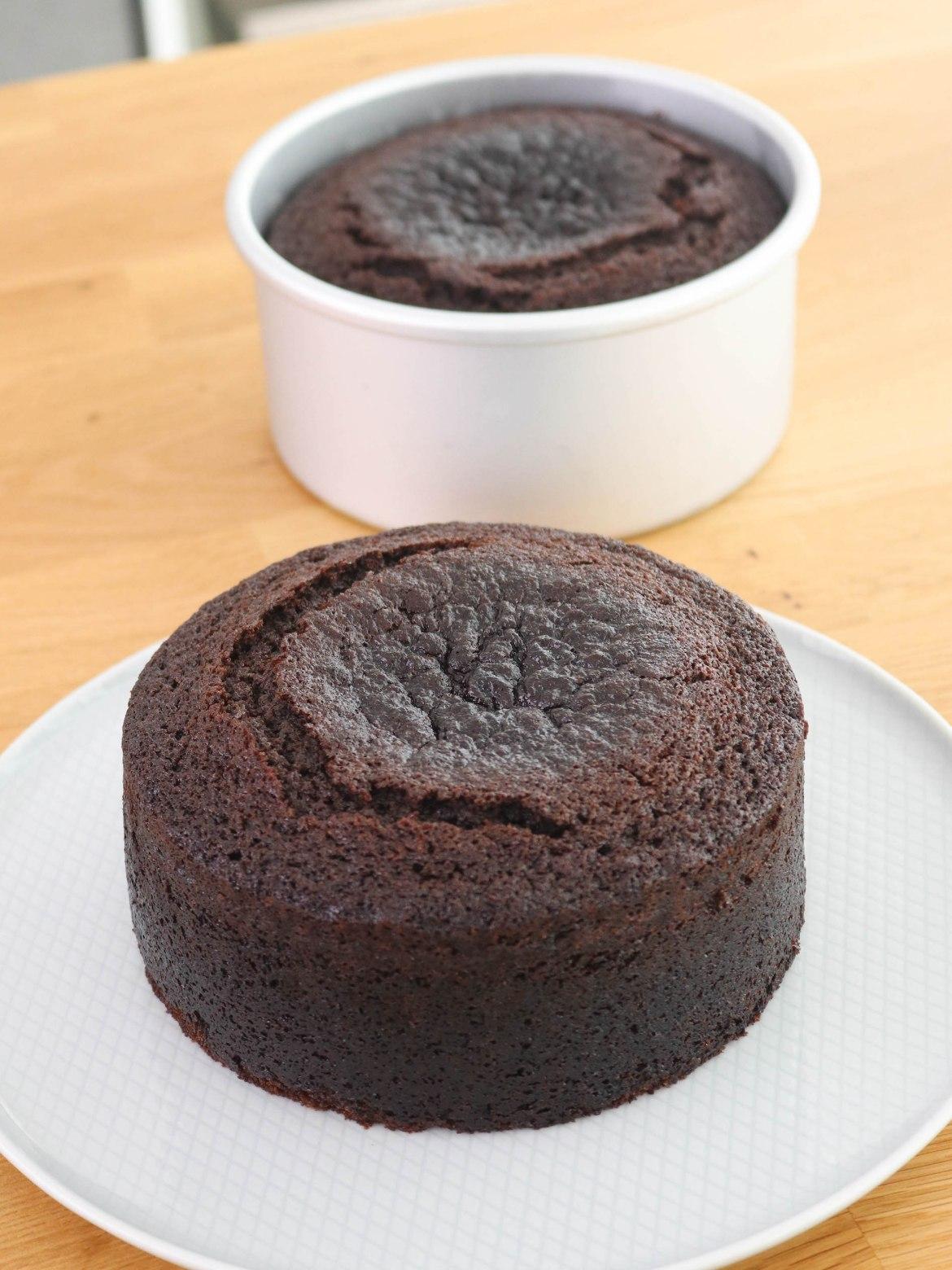 Torta Húmeda De Chocolate Tan Dulce