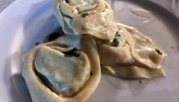 Tortelloni Da Casa Con Ricotta E Spinaci Al Burro E Salvia