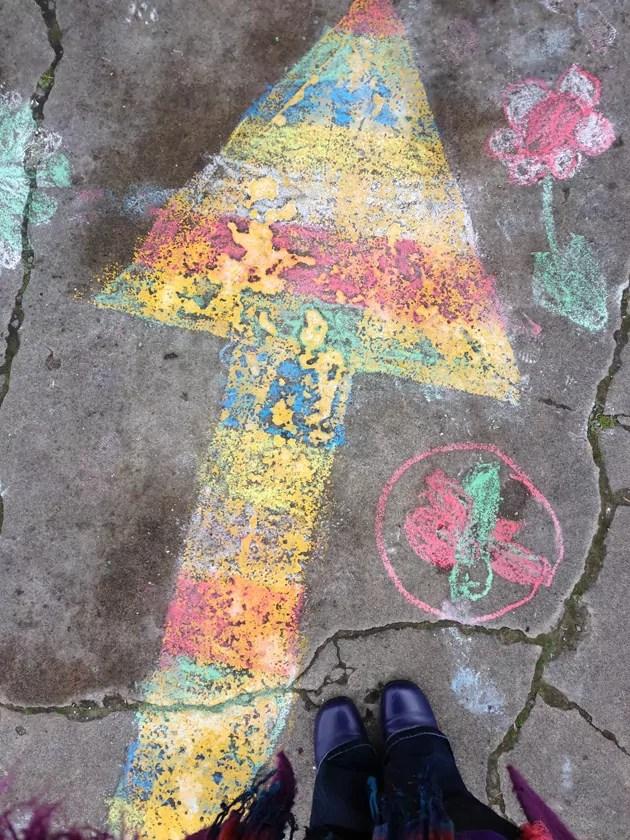me_Feet-chalk-arrow_FSM