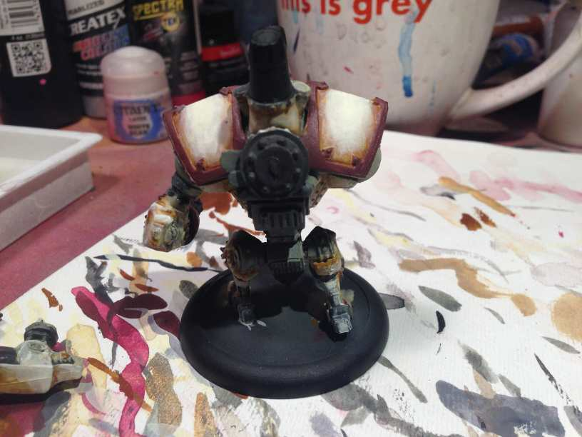 Menoth Crusader Warjack: Quick n' Dirty Paint Job - how to paint a menoth warjack - painting the crusader menoth miniature - warmachine painting - painting warmachine models for menoth - blending paint back view