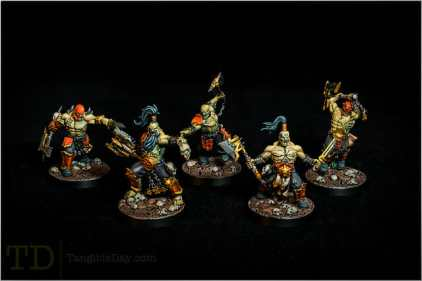 Focus stack for better group shots of miniatures
