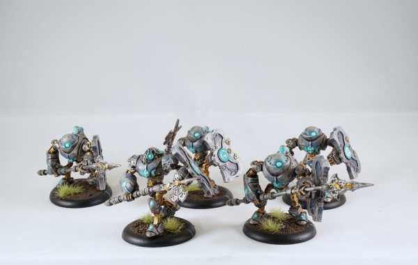 3 Ways to Speed Paint Miniatures and Models (Tips and Tools)