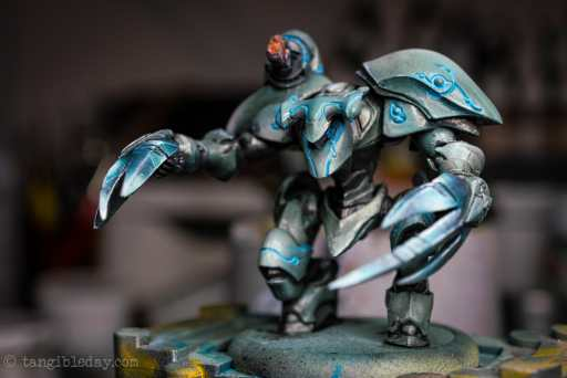 Dry Palettes for Painting Miniatures: Better than a Wet Palette?  painting with a dry palette is faster than a wet palette - best palettes for painting miniatures and models - warhammer 40k and tabletop minis