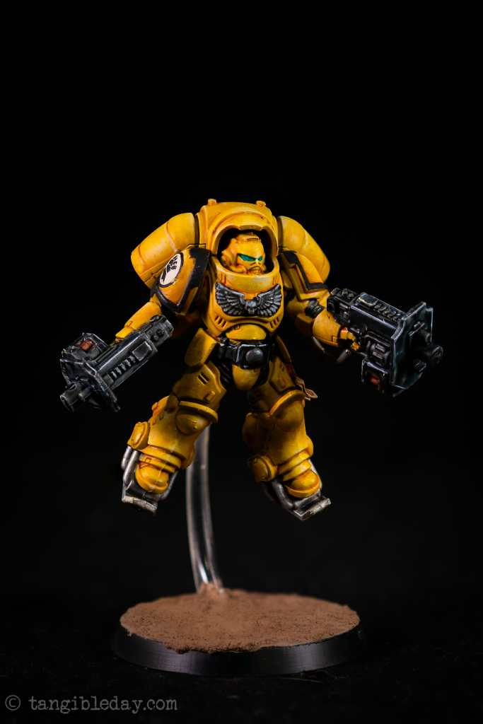 How to Paint Yellow Space Marines (Easy and Fast) - how to paint yellow models and miniatures - Imperial fist inceptor final studio photograph in a light box photobooth